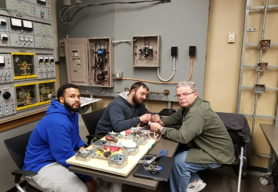 instructor-and-student_2018-01-24-15-27-56.jpg